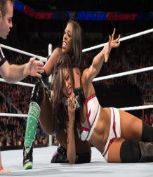 أشهر النجمات السمر في تاريخ WWE